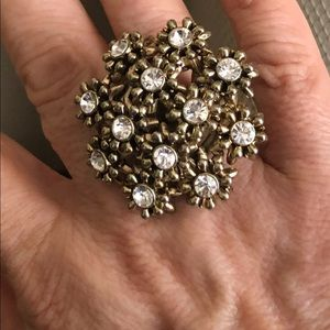 Stunning Betsey Johnson Floral ring size 7